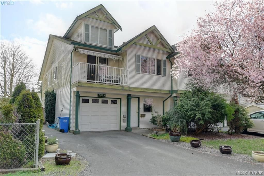 Main Photo: 2873 Young Place in VICTORIA: La Glen Lake Half Duplex for sale (Langford)  : MLS®# 407802