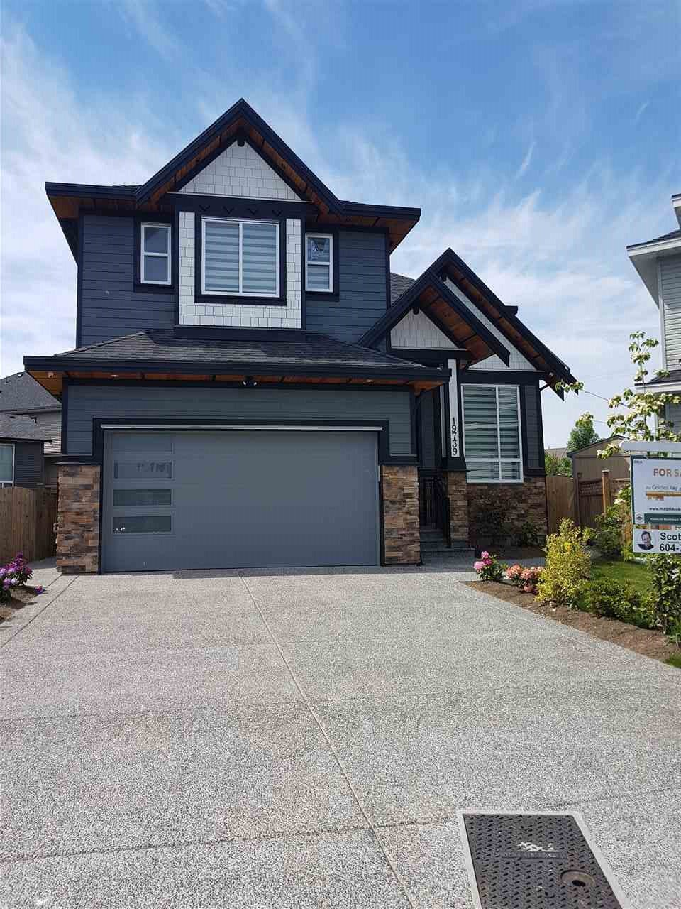 """Main Photo: 19739 71B Avenue in Langley: Willoughby Heights House for sale in """"Willoughby"""" : MLS®# R2384179"""
