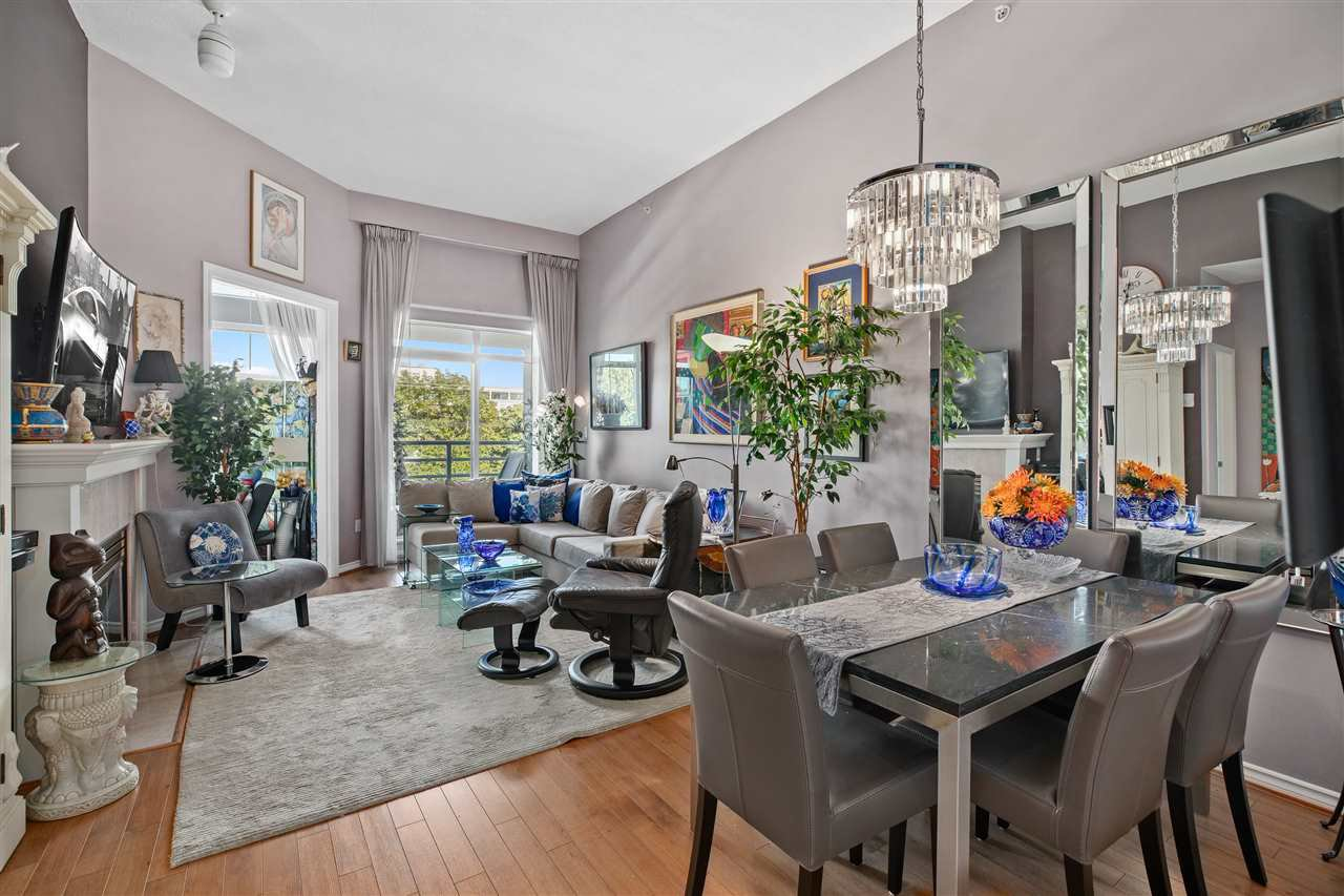 "Main Photo: 411 2105 W 42ND Avenue in Vancouver: Kerrisdale Condo for sale in ""The Brownstone"" (Vancouver West)  : MLS®# R2387494"
