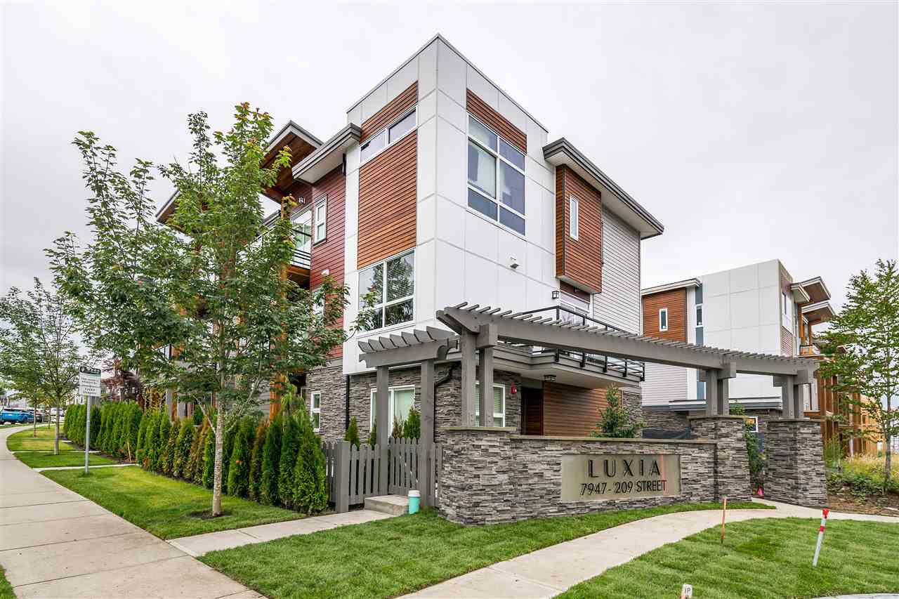 """Photo 3: Photos: 16 7947 209 Street in Langley: Willoughby Heights Townhouse for sale in """"Luxia"""" : MLS®# R2398504"""