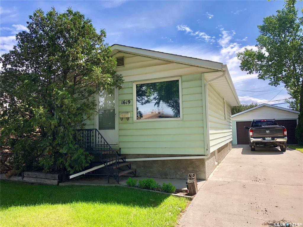 Main Photo: 1619 Rothwell Street in Regina: Glen Elm Park Residential for sale : MLS®# SK813782