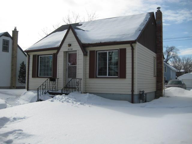 Main Photo: 228 MELBOURNE Avenue in WINNIPEG: East Kildonan Residential for sale (North East Winnipeg)  : MLS®# 1103915