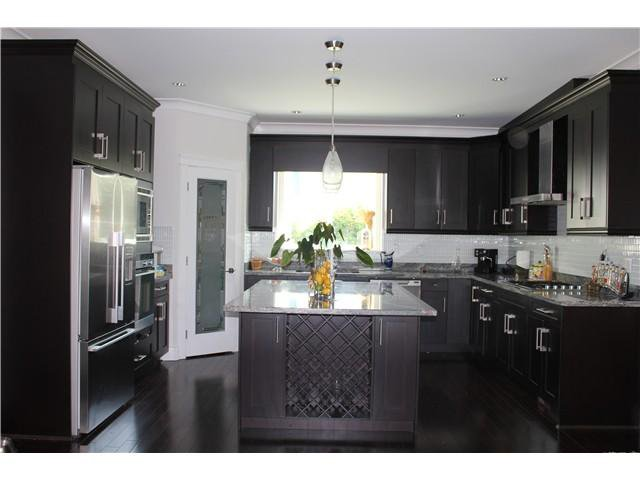 Photo 4: Photos: 701 E 5TH Street in North Vancouver: Queensbury House for sale : MLS®# V978211