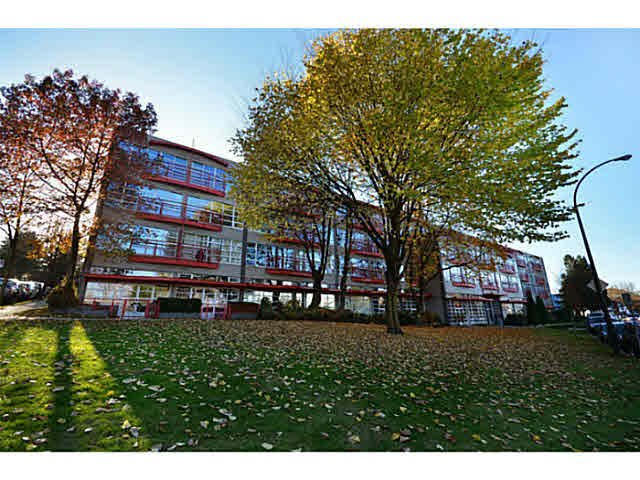 """Main Photo: 428 350 E 2ND Avenue in Vancouver: Mount Pleasant VE Condo for sale in """"Main Space"""" (Vancouver East)  : MLS®# V1089937"""