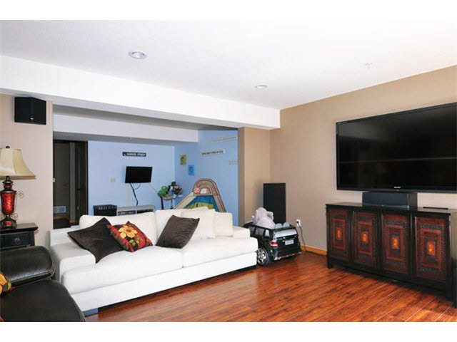 """Photo 10: Photos: 33 24185 106B Avenue in Maple Ridge: Albion Townhouse for sale in """"TRAILS EDGE"""" : MLS®# V1090011"""