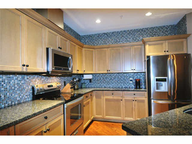 """Photo 5: Photos: 33 24185 106B Avenue in Maple Ridge: Albion Townhouse for sale in """"TRAILS EDGE"""" : MLS®# V1090011"""