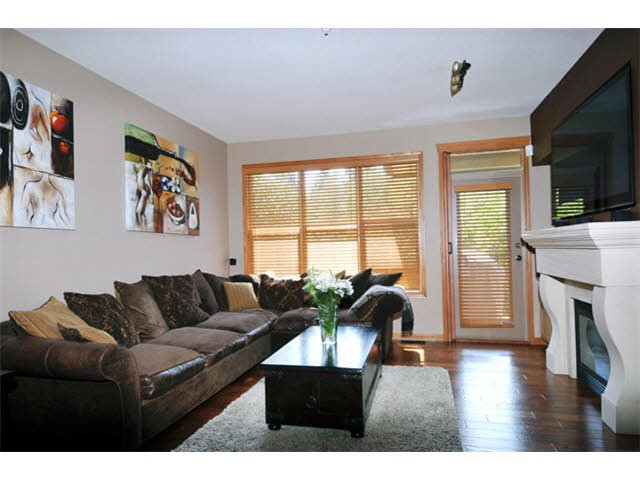 """Photo 2: Photos: 33 24185 106B Avenue in Maple Ridge: Albion Townhouse for sale in """"TRAILS EDGE"""" : MLS®# V1090011"""