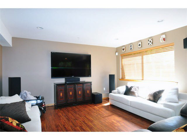 """Photo 9: Photos: 33 24185 106B Avenue in Maple Ridge: Albion Townhouse for sale in """"TRAILS EDGE"""" : MLS®# V1090011"""