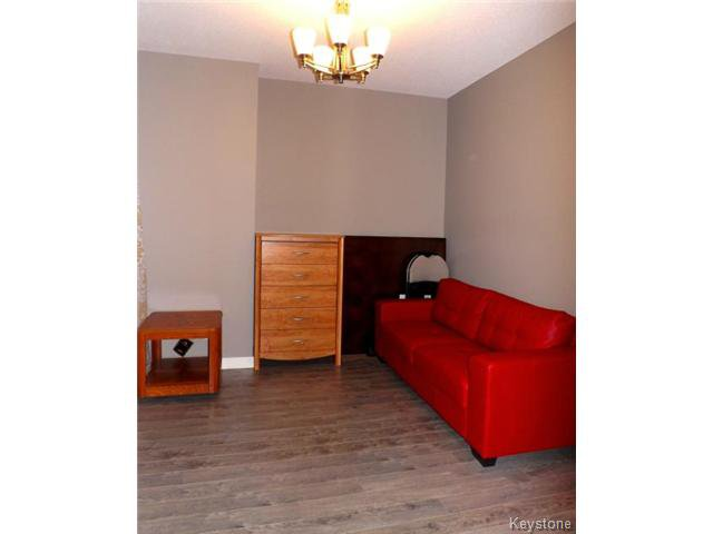 Photo 6: Photos: 147 Seaside Drive in WINNIPEG: Transcona Residential for sale (North East Winnipeg)  : MLS®# 1505229