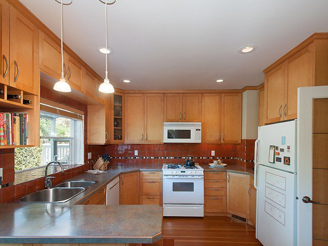 Photo 5: Photos: 3105 W 29TH Avenue in Vancouver: MacKenzie Heights House for sale (Vancouver West)  : MLS®# V1124456