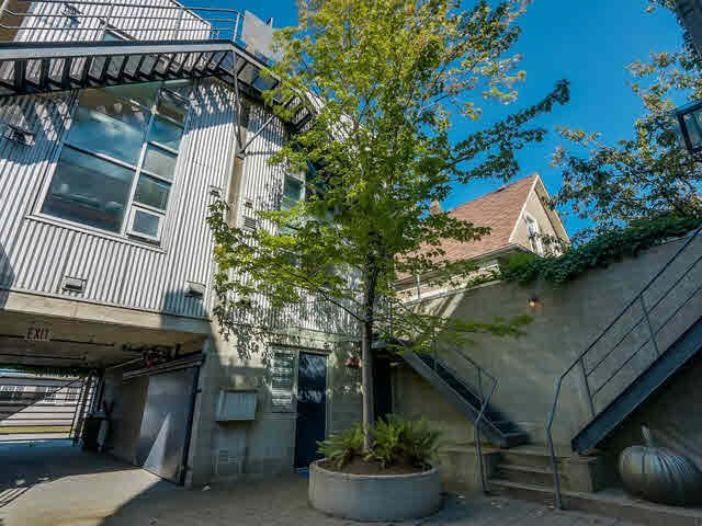 Photo 3: Photos: 1 1334 ODLUM Drive in Vancouver: Grandview VE Townhouse for sale (Vancouver East)  : MLS®# V1139879