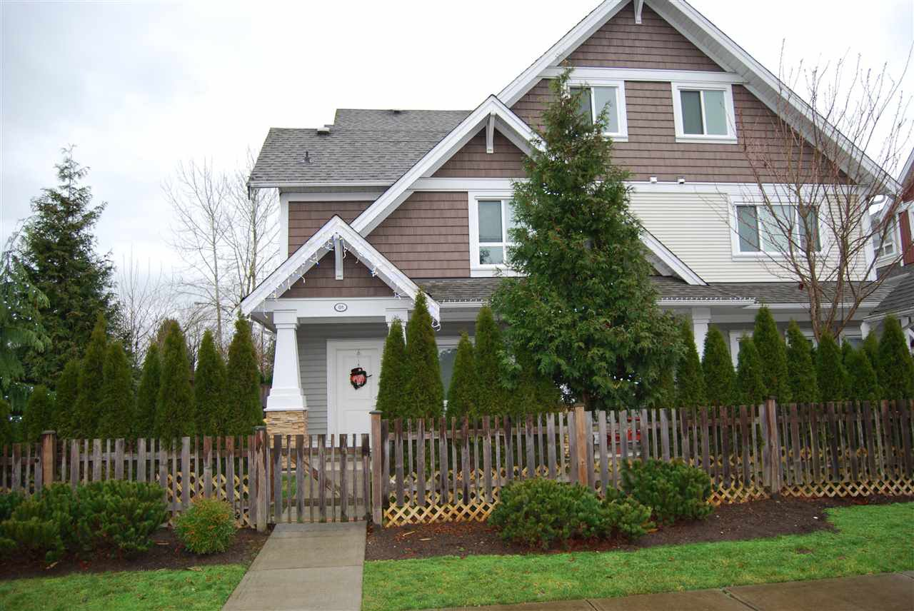"""Main Photo: 1 7298 199A Street in Langley: Willoughby Heights Townhouse for sale in """"YORK"""" : MLS®# R2020208"""