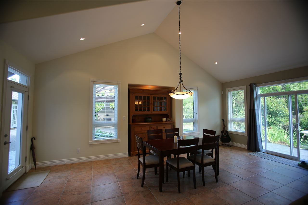 Photo 16: Photos: 1243 SUNNYSIDE Road in Gibsons: Gibsons & Area House for sale (Sunshine Coast)  : MLS®# R2079473