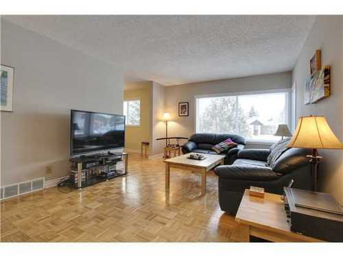 Main Photo: 19 DEER LANE Place SE in Calgary: Bungalow for sale : MLS®# C3596598