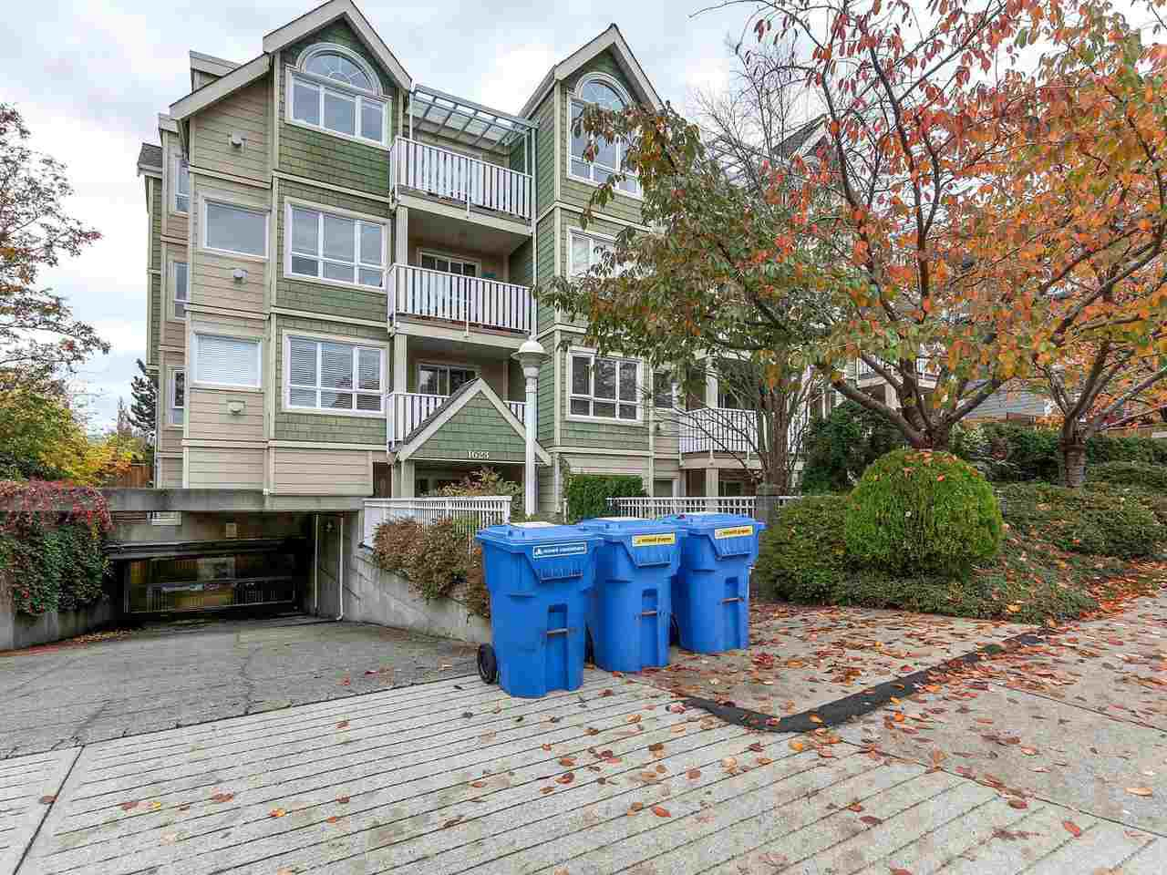 "Main Photo: 301 1623 E 2ND Avenue in Vancouver: Grandview VE Condo for sale in ""GRANDVIEW MANOR"" (Vancouver East)  : MLS®# R2122830"