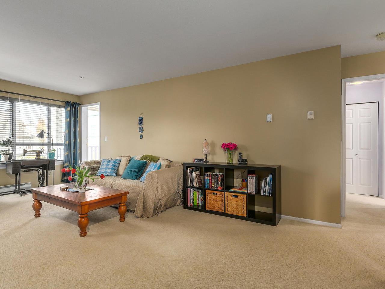 """Photo 10: Photos: 301 1623 E 2ND Avenue in Vancouver: Grandview VE Condo for sale in """"GRANDVIEW MANOR"""" (Vancouver East)  : MLS®# R2122830"""