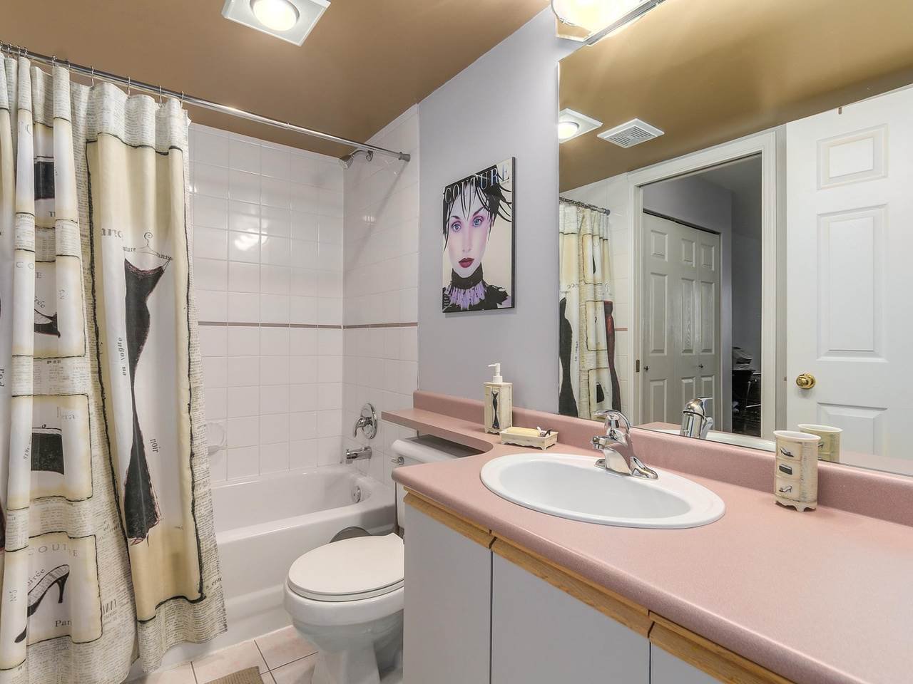 """Photo 15: Photos: 301 1623 E 2ND Avenue in Vancouver: Grandview VE Condo for sale in """"GRANDVIEW MANOR"""" (Vancouver East)  : MLS®# R2122830"""