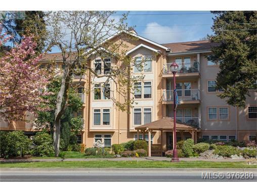 Main Photo: 202 606 Goldstream Ave in VICTORIA: La Langford Proper Condo for sale (Langford)  : MLS®# 755301