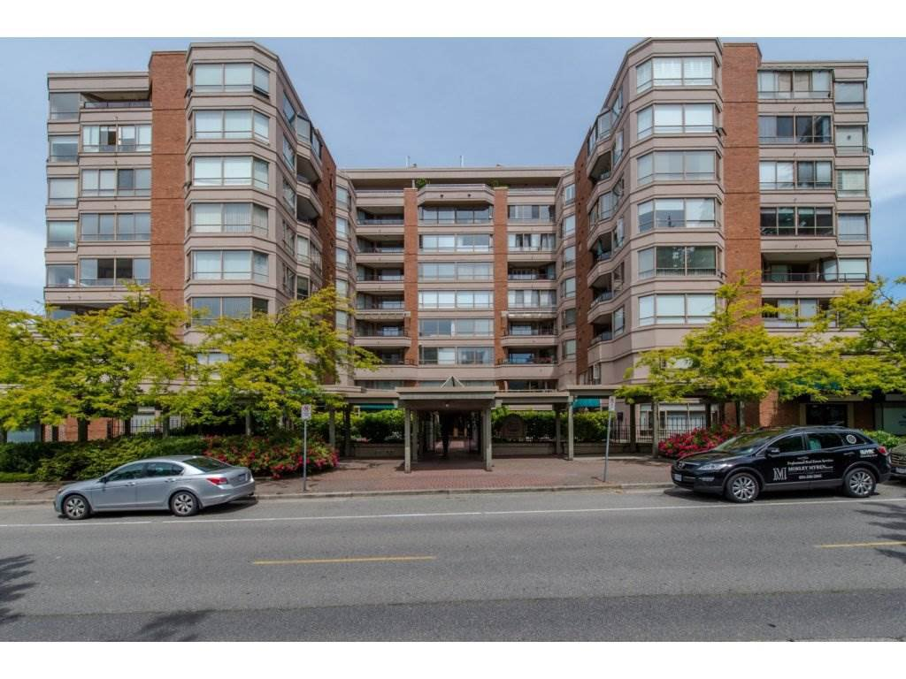 "Main Photo: 505 15111 RUSSELL Avenue: White Rock Condo for sale in ""PACIFIC TERRACE"" (South Surrey White Rock)  : MLS®# R2155960"