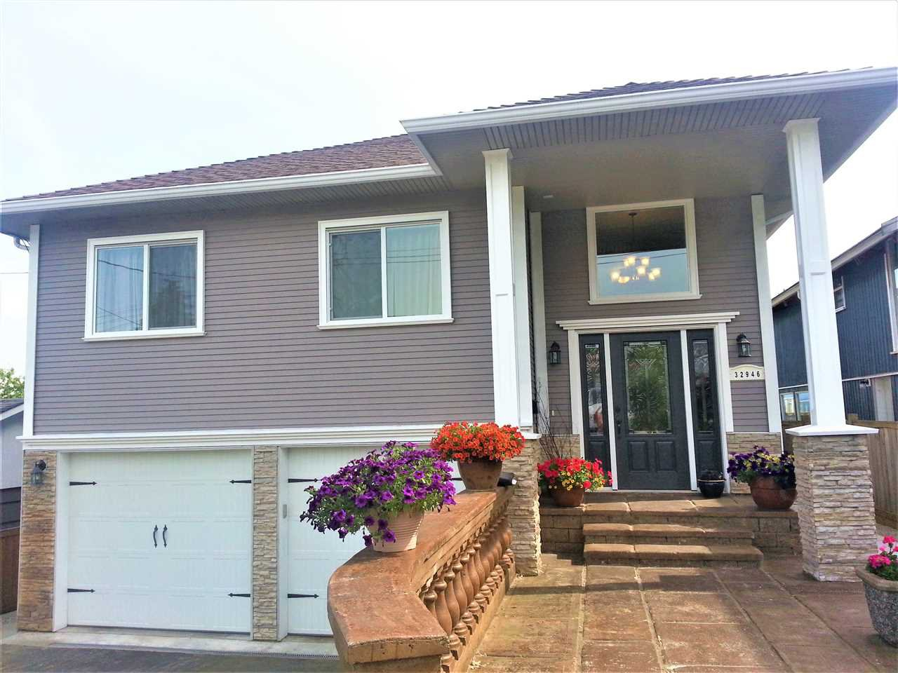 Main Photo: 32946 12TH Avenue in Mission: Mission BC House for sale : MLS®# R2159335