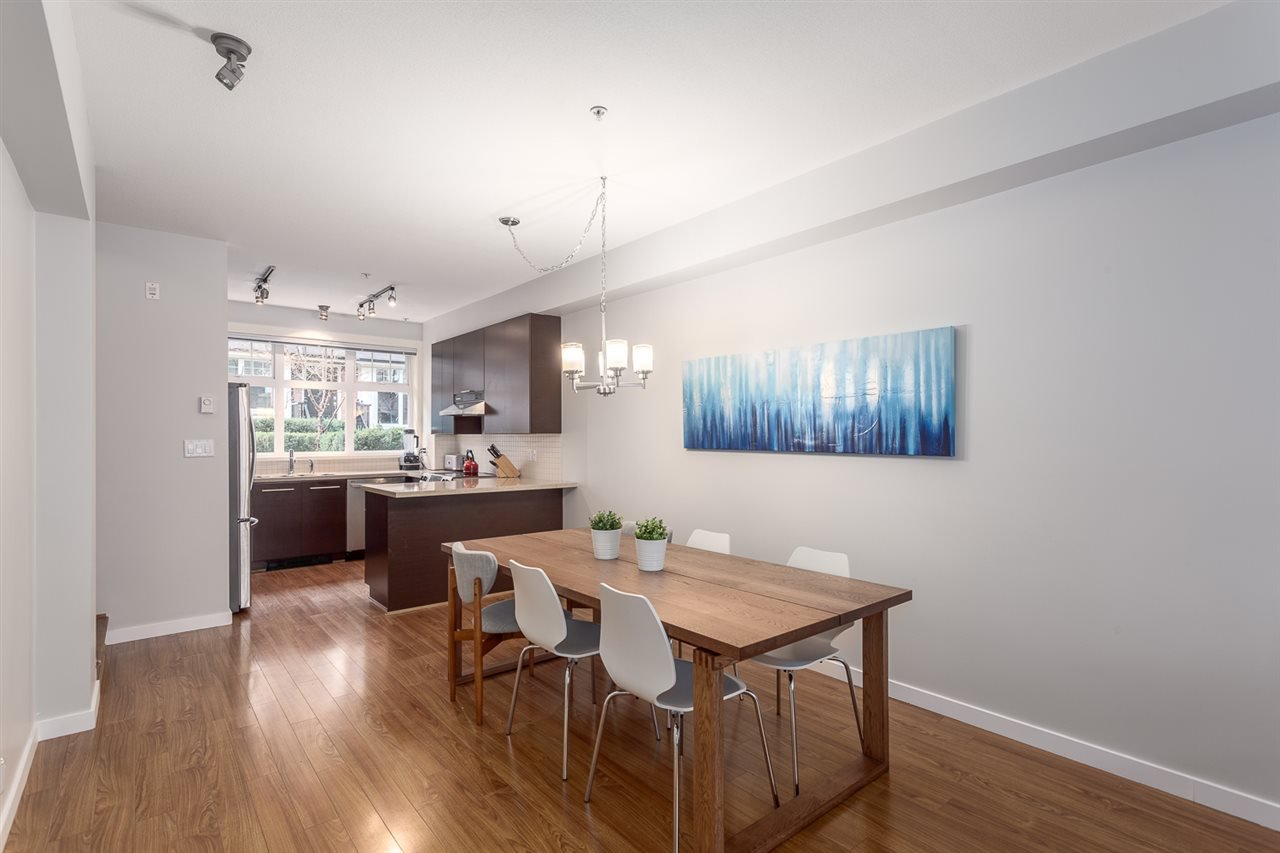 Photo 6: Photos: 3720 WELWYN STREET in Vancouver: Victoria VE Townhouse for sale (Vancouver East)  : MLS®# R2158013