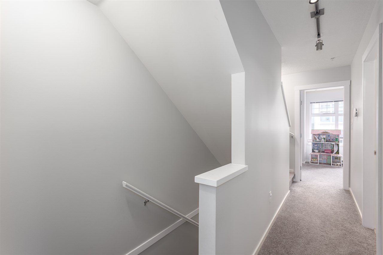 Photo 10: Photos: 3720 WELWYN STREET in Vancouver: Victoria VE Townhouse for sale (Vancouver East)  : MLS®# R2158013