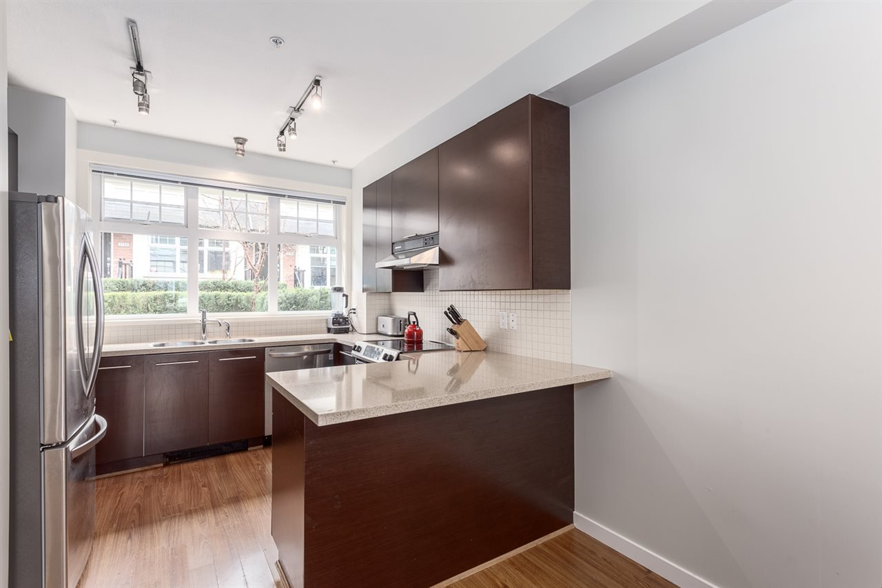 Photo 8: Photos: 3720 WELWYN STREET in Vancouver: Victoria VE Townhouse for sale (Vancouver East)  : MLS®# R2158013