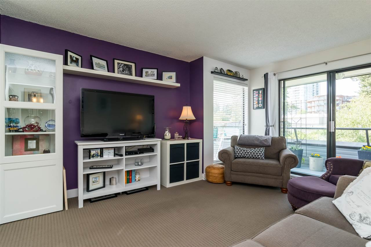 "Photo 3: Photos: 304 1341 GEORGE Street: White Rock Condo for sale in ""Oceanview Apartments"" (South Surrey White Rock)  : MLS®# R2173769"