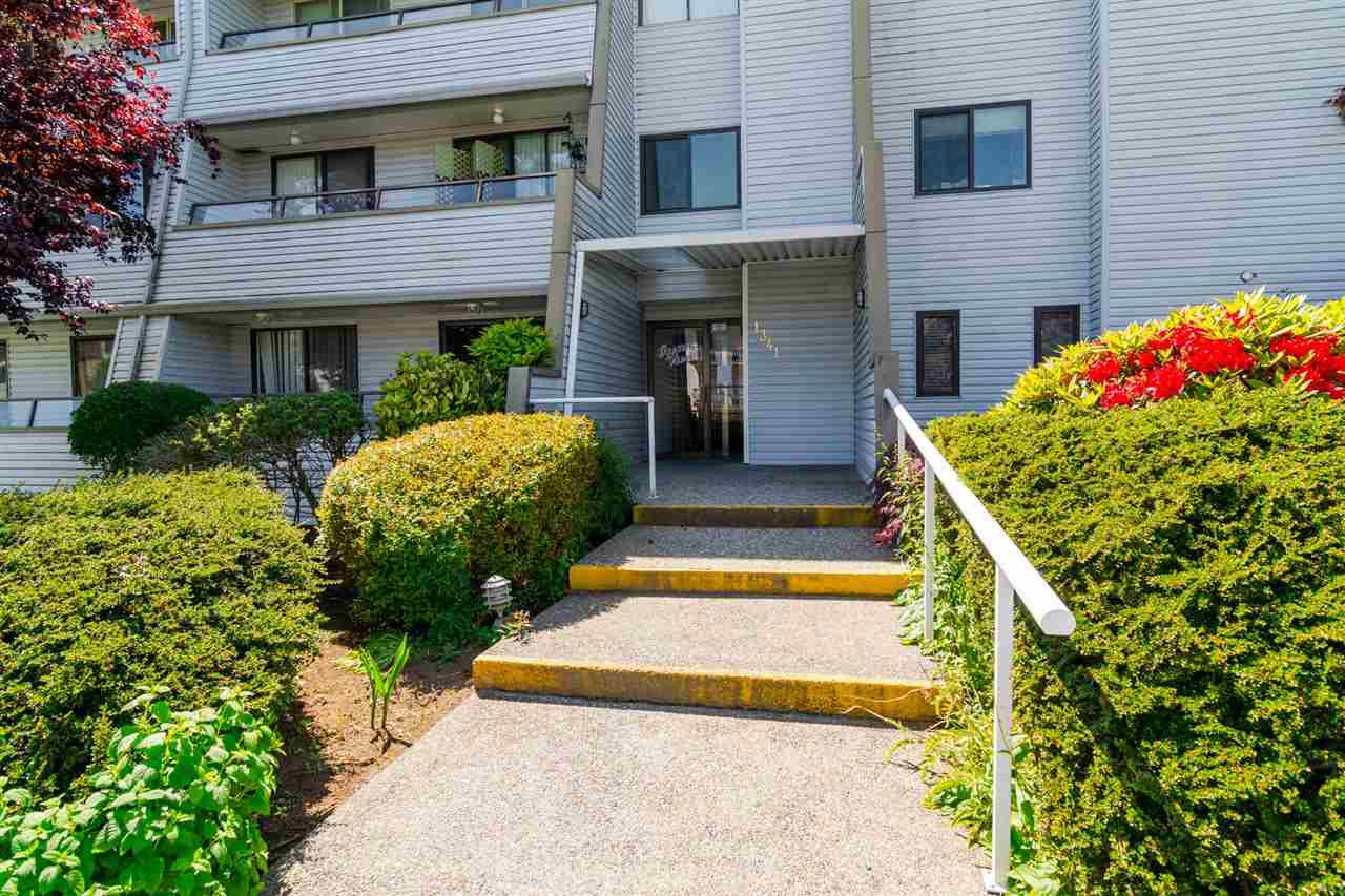 "Photo 2: Photos: 304 1341 GEORGE Street: White Rock Condo for sale in ""Oceanview Apartments"" (South Surrey White Rock)  : MLS®# R2173769"