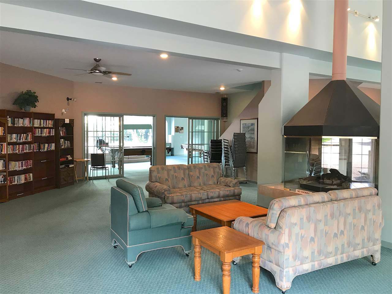 """Photo 11: Photos: 206 1745 MARTIN Drive in Surrey: Sunnyside Park Surrey Condo for sale in """"Southwynd"""" (South Surrey White Rock)  : MLS®# R2182541"""