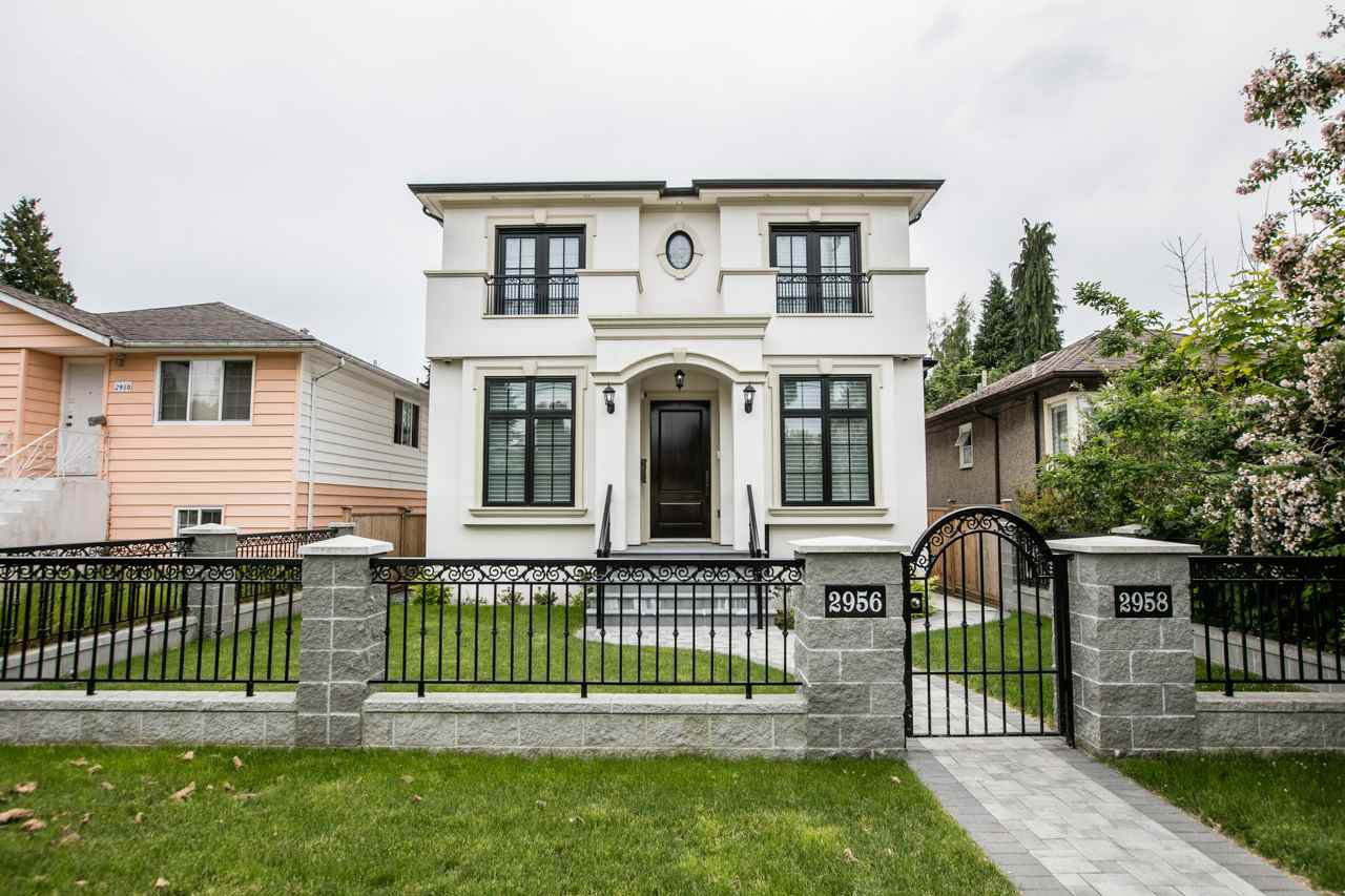 "Main Photo: 2958 W 41ST Avenue in Vancouver: Kerrisdale House for sale in ""KERRISDALE"" (Vancouver West)  : MLS®# R2195625"