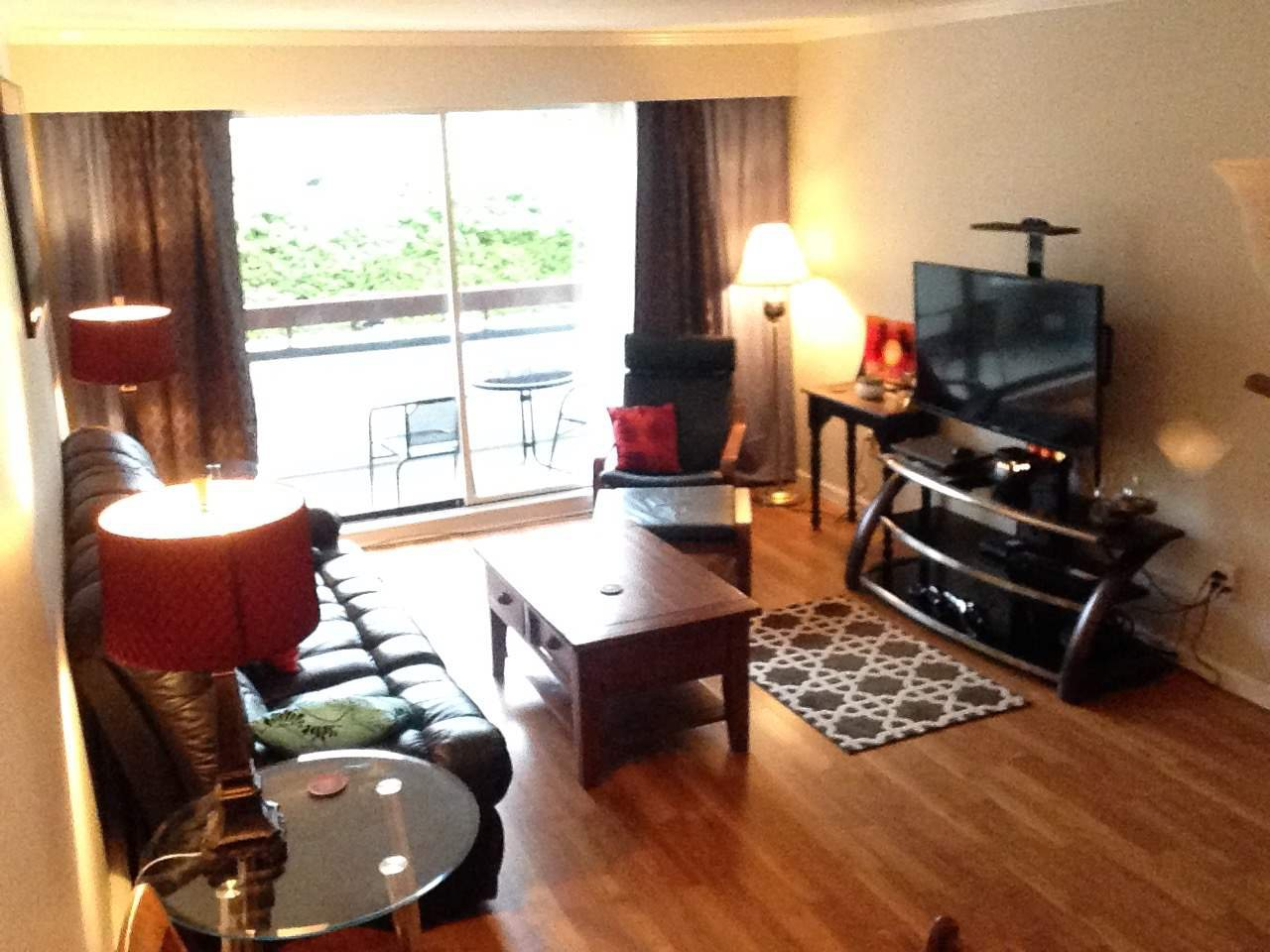Photo 5: Photos: 210 515 ELEVENTH STREET in New Westminster: Uptown NW Condo for sale : MLS®# R2224542