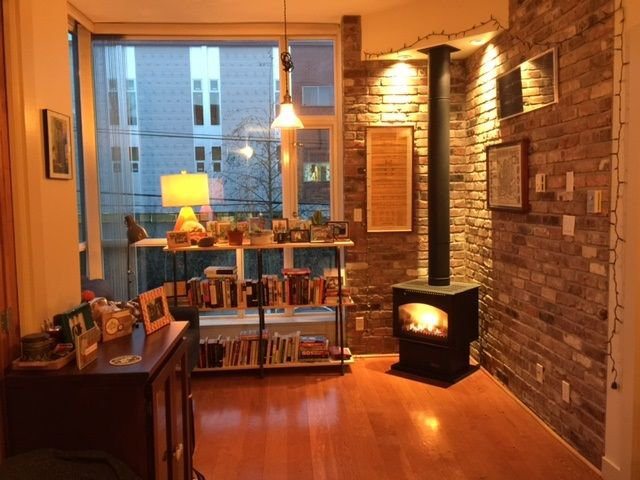 Brick Fir hardwood floors High Ceilings !