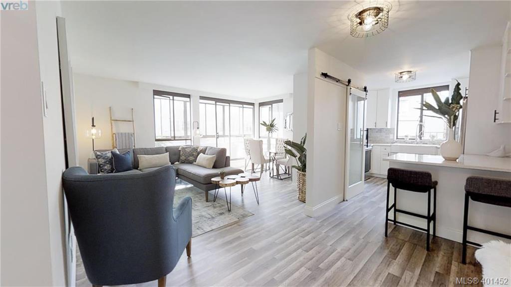 Main Photo: 301 1026 Johnson St in VICTORIA: Vi Downtown Condo Apartment for sale (Victoria)  : MLS®# 801151