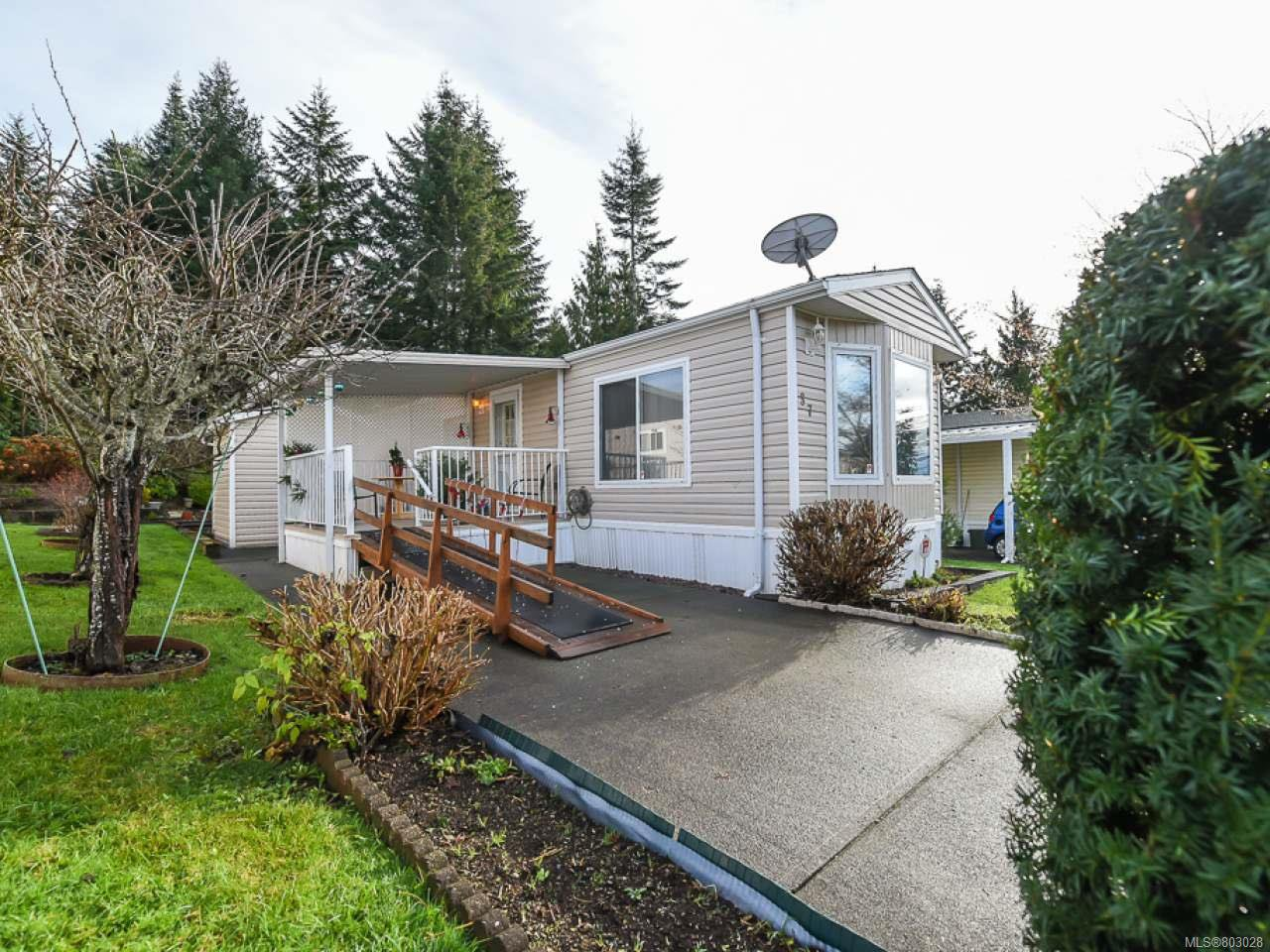 Main Photo: 37 4714 Muir Rd in COURTENAY: CV Courtenay East Manufactured Home for sale (Comox Valley)  : MLS®# 803028