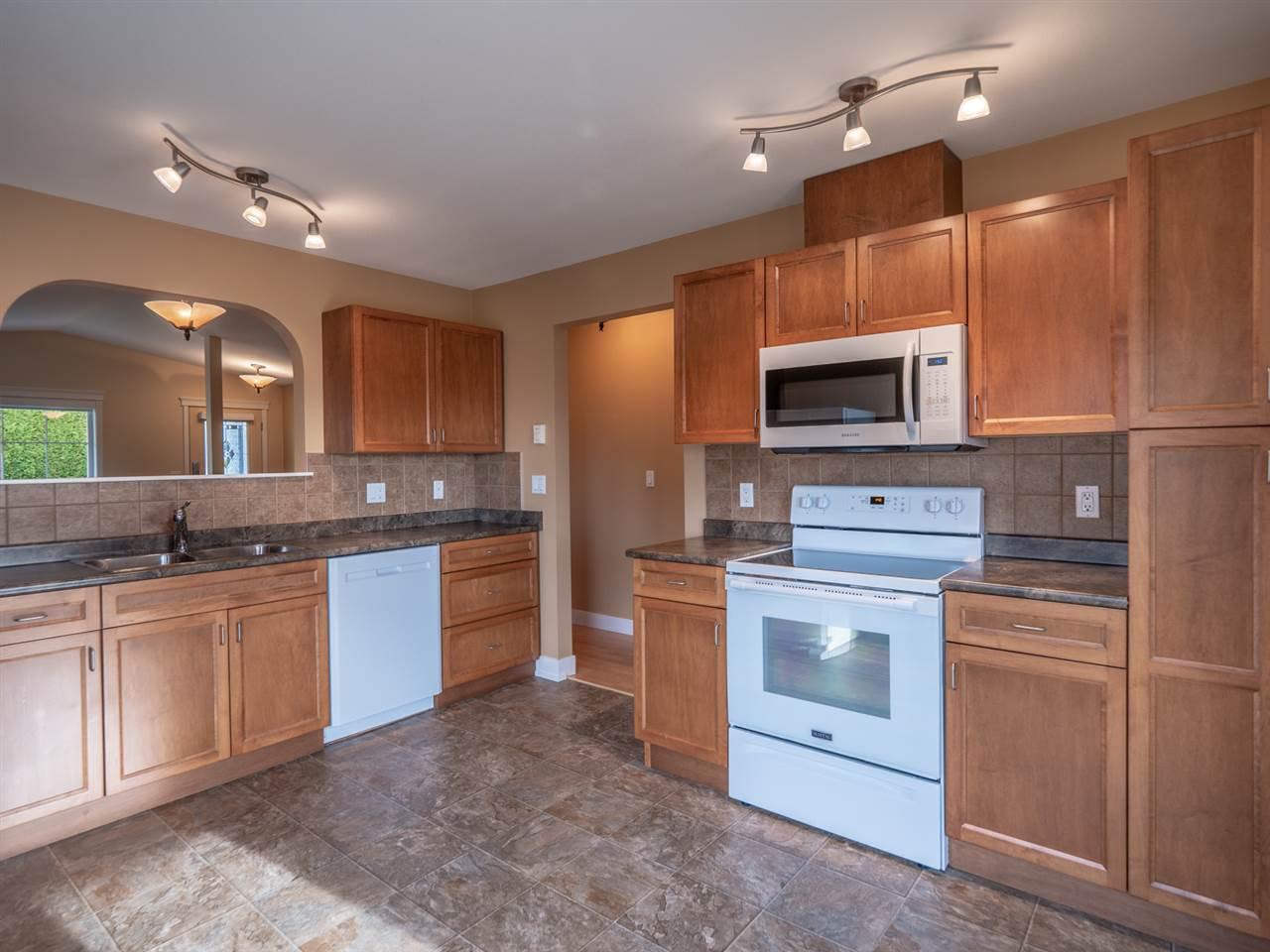 Photo 3: Photos: 5708 EMILY Way in Sechelt: Sechelt District House for sale (Sunshine Coast)  : MLS®# R2328606