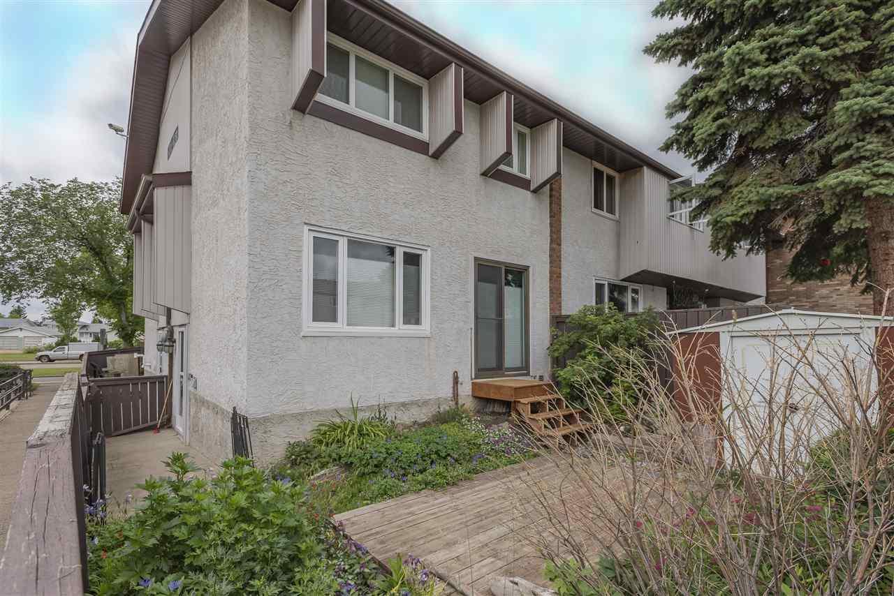 Main Photo: 17 14205 82 Street in Edmonton: Zone 02 Townhouse for sale : MLS®# E4165239