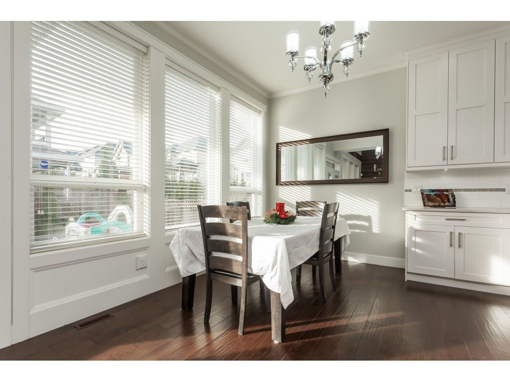 Photo 9: Photos: 5419 189A Street in Surrey: Cloverdale BC House for sale (Cloverdale)  : MLS®# R2420375
