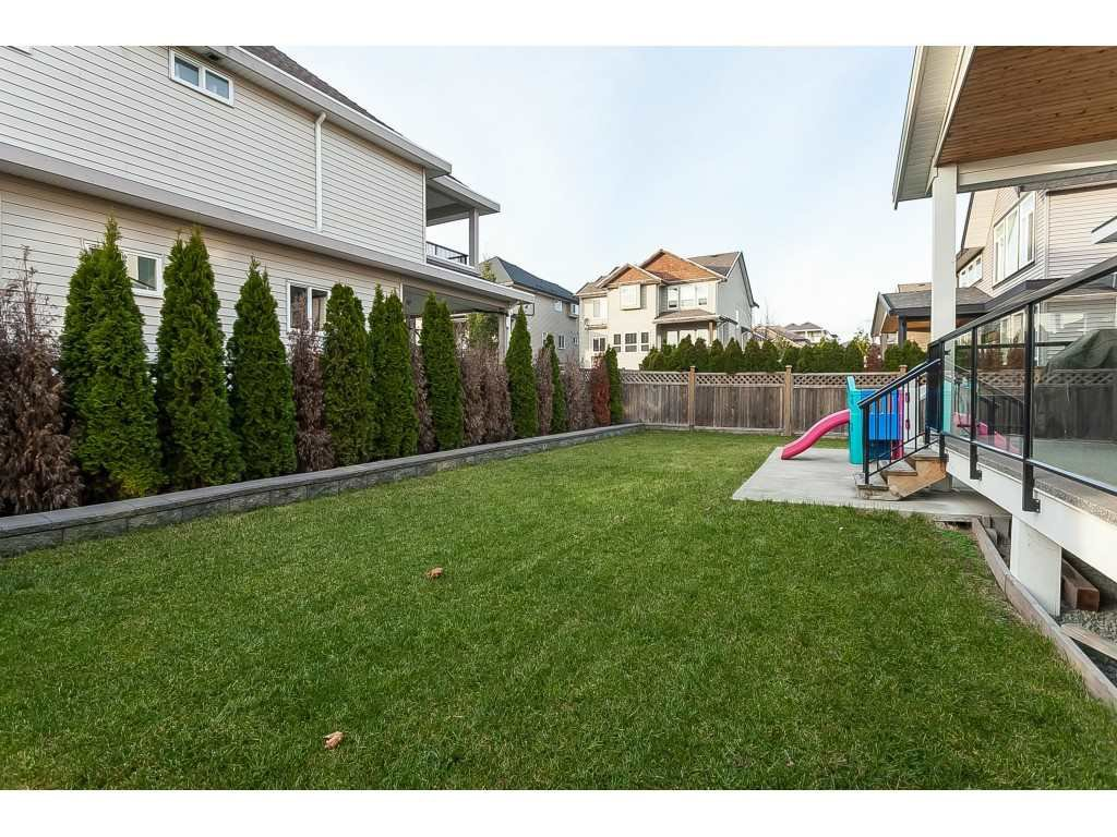 Photo 19: Photos: 5419 189A Street in Surrey: Cloverdale BC House for sale (Cloverdale)  : MLS®# R2420375