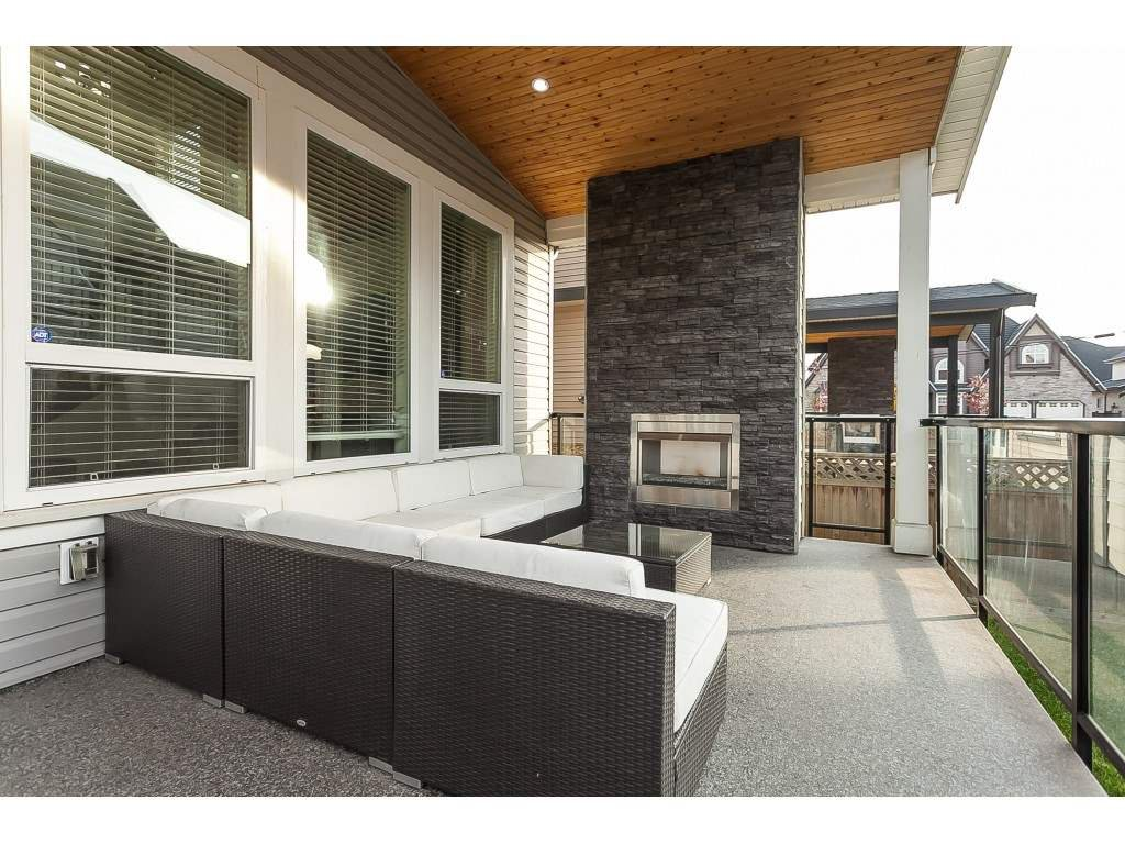 Photo 18: Photos: 5419 189A Street in Surrey: Cloverdale BC House for sale (Cloverdale)  : MLS®# R2420375