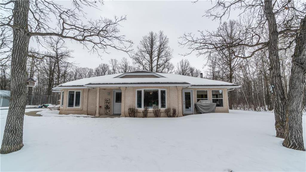 Main Photo: 25135 ROAD 35N Road in Kleefeld: R16 Residential for sale : MLS®# 202004536