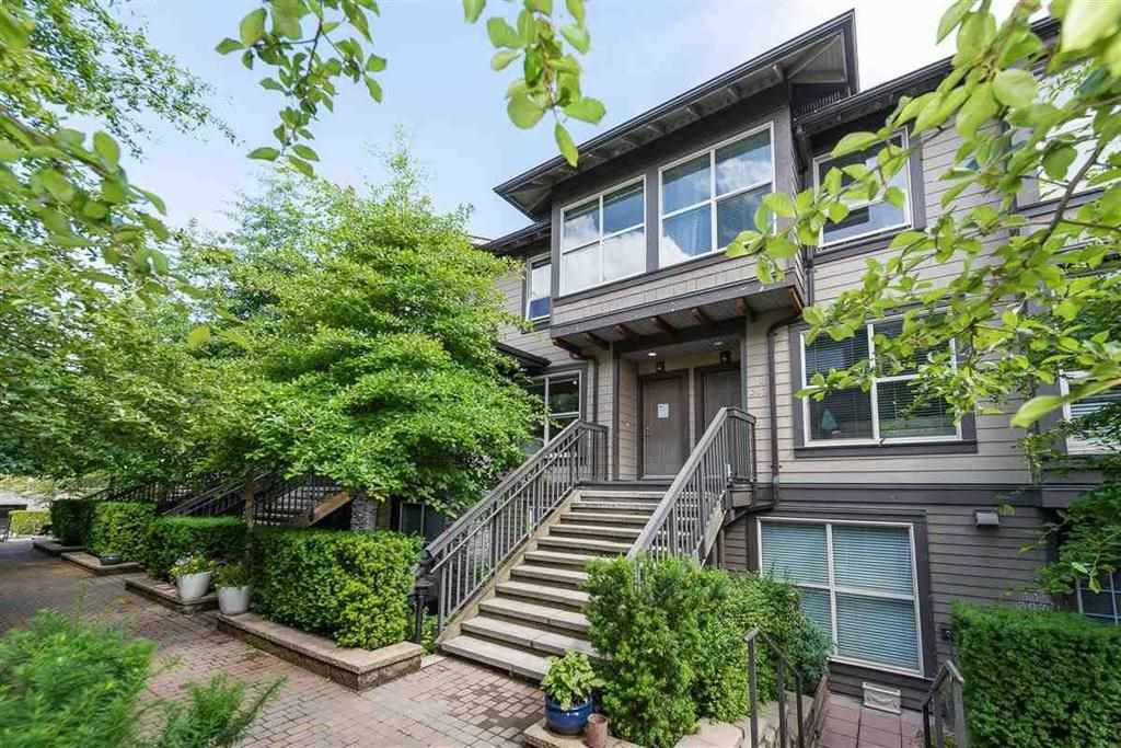 "Main Photo: 9 307 E 15TH Street in North Vancouver: Central Lonsdale Townhouse for sale in ""AVONDALE"" : MLS®# R2477092"