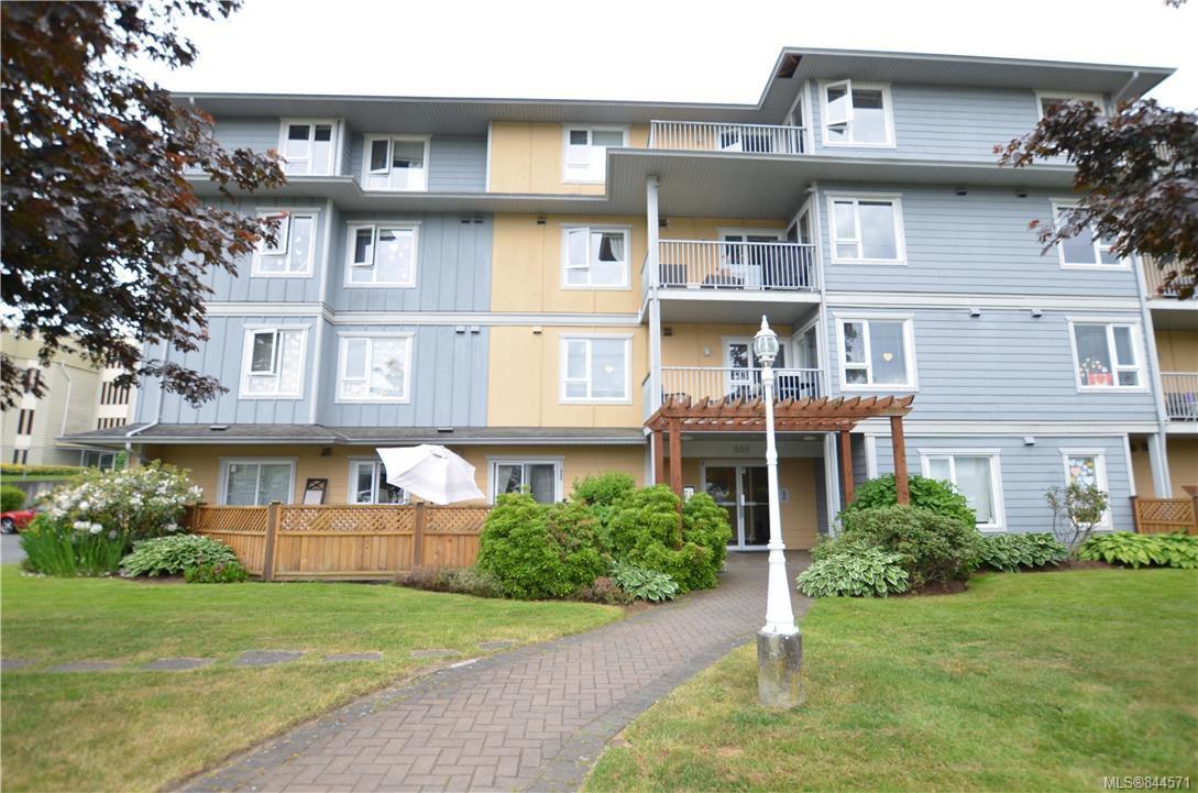 Main Photo: 301 885 Ellery St in Esquimalt: Es Old Esquimalt Condo Apartment for sale : MLS®# 844571