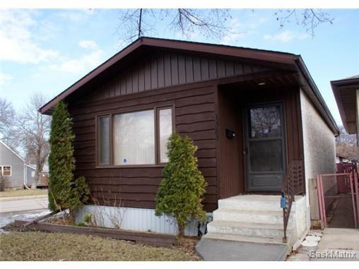 Main Photo: 1301 KING Street in Regina: Washington Park Single Family Dwelling for sale (Regina Area 03)  : MLS®# 528872