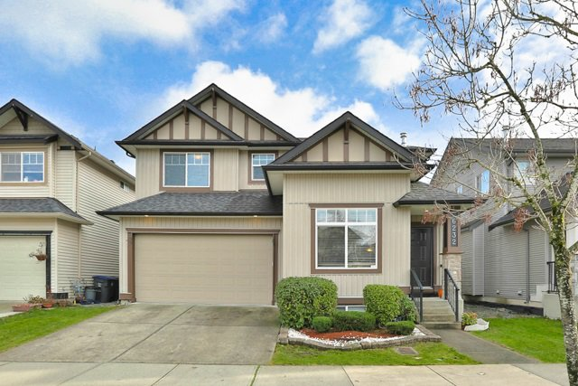 Main Photo: 6232 167B Street in Surrey: Cloverdale BC House for sale (Cloverdale)  : MLS®# R2015922