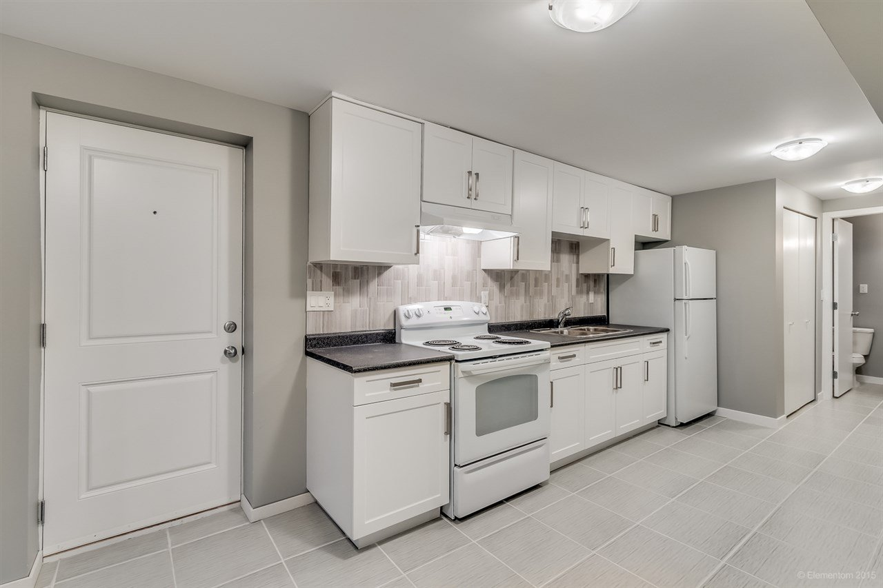 Photo 4: Photos: 923 THERMAL Drive in Coquitlam: Chineside House for sale : MLS®# R2017629