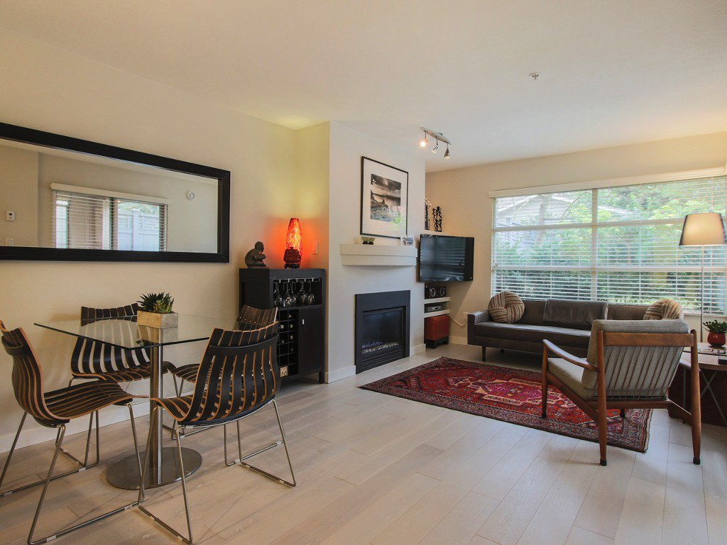"Main Photo: 101 3023 W 4TH Avenue in Vancouver: Kitsilano Condo for sale in ""DELANO"" (Vancouver West)  : MLS®# R2028872"
