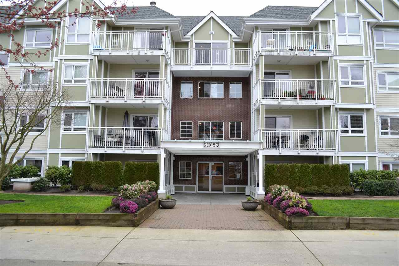 "Photo 2: Photos: 208 20189 54 Avenue in Langley: Langley City Condo for sale in ""CATALINA GARDENS"" : MLS®# R2044677"