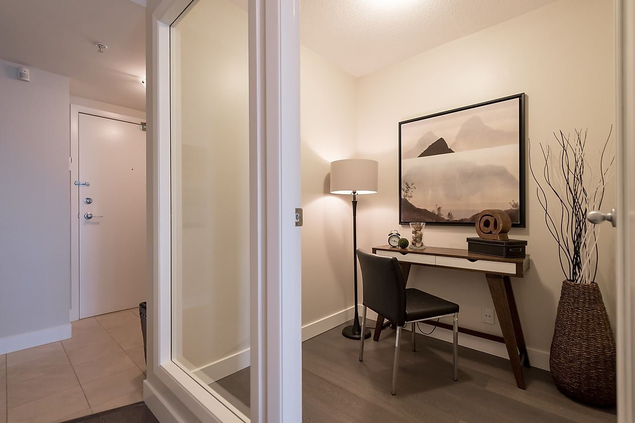 """Photo 20: Photos: 2508 193 AQUARIUS Mews in Vancouver: Yaletown Condo for sale in """"MARINASIDE RESORT RESIDENCES"""" (Vancouver West)  : MLS®# R2106066"""