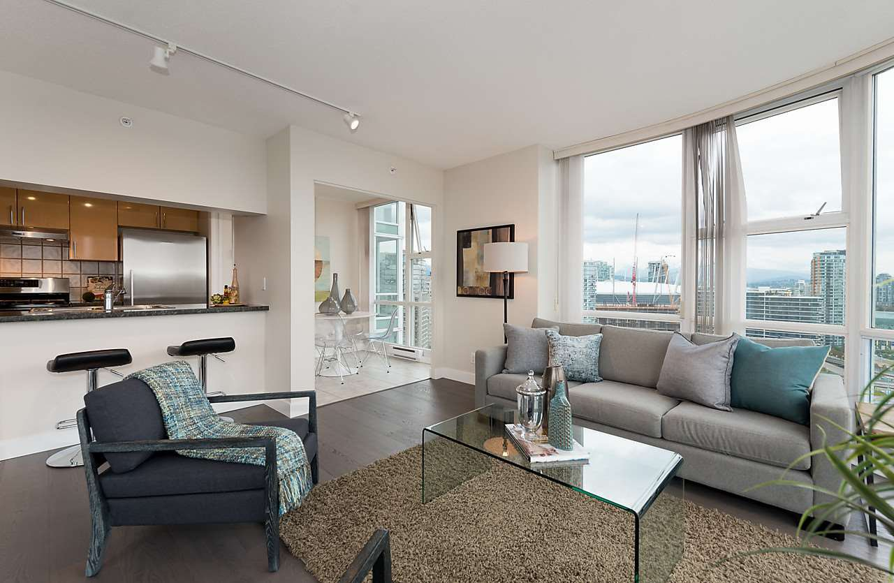 """Photo 4: Photos: 2508 193 AQUARIUS Mews in Vancouver: Yaletown Condo for sale in """"MARINASIDE RESORT RESIDENCES"""" (Vancouver West)  : MLS®# R2106066"""